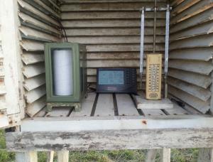 Dattalogger Console in de thermometer hut