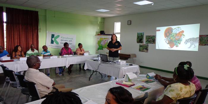 ACT Suriname ondersteunt ook in 2016 het Groene Leskist project